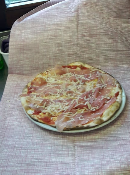 http://pizzeriavalgrande.com/wp-content/uploads/2019/04/PizzaBuongustaia.jpg